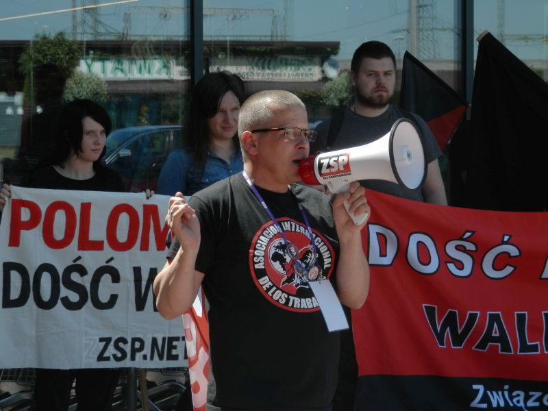 POLOmarket.-Protest-w-sprawie-warunkow-pracy-2.jpg
